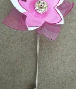 Broche Amaryllis  Rosa Blanco – Rosa Blanco