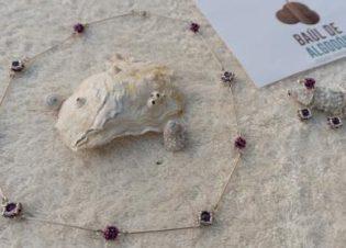 conjunto collar pendientes purpura